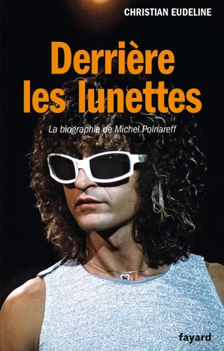DERRIERE LES LUNETTES